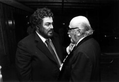 Luciano Pavarotti, left, chatting with Fort La...