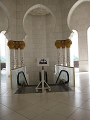 UAE 339 (GholaMiles) Tags: uae middleeast abudhabi unitedarabemirates mosques sheikhzayedmosque