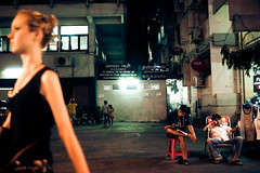 (zerotwelve) Tags: men girl walking nikon sitting bangkok khaosanroad d700 352ais