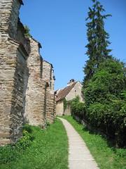 Biertan, along the external protecting walls (Sokleine) Tags: church citadel romania transylvania fortress middleages biertan roumanie fortified transylvanie rumnien