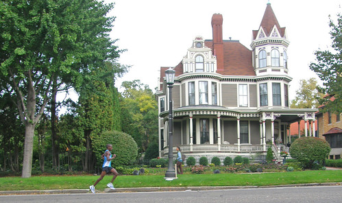 Summit Avenue, Victorian backdrop