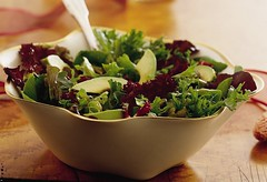 Mixed Baby Greens with Balsamic Vinaigrette Recipe (Betty Crocker Recipes) Tags: thanksgiving party dinner recipe salad healthy sidedish lettuce entertaining bettycrocker avacado woodtable whitebowl wavybowl silverfork sidesalad mixedbabygreenswithbalsamicvinaigrette