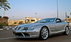 Mercedes-Benz SLR Mclaren in Dubai (Martijn Kapper) Tags: slr mercedes dubai united uae east emirates arab mclaren mercedesbenz middle supercar arabs carspotting autospotten