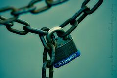 Master in chains! (Vijay Subramanian) Tags: vijay photography chains lock master bahamas nassau