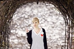 :) (Rick Nunn) Tags: london girl wall garden eyes key heart bracket rick smoking blond nunn canonef135mmf2l vsortpop