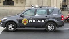 2017-012132 (bubbahop) Tags: 2017 lima peru southamericatrip oats police policia policecar ssangyongrexton