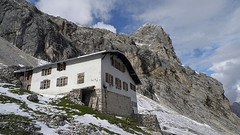 Knorrhutte (ingo.ronner) Tags: mountains alps germany hiking zugspitze longdistancewalking viaalpina dlux4 knorrhutte