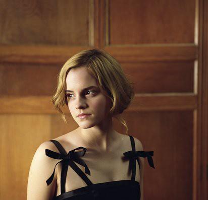 Emma Watson modela gothic