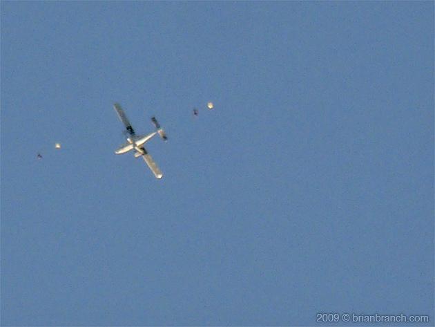 P1020989_parachute