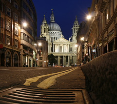 London St. Paul's (david.bank (www.david-bank.com)) Tags: uk england london st architecture twilight cathedral dusk religion christopher pauls wren bluehour sir gully ciy