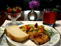 Salmon and Balsamic Dill Vigniarette a la Lucca (Clara Hinton) Tags: food recipe salmon strawberries lucca gardenvegetables beautysecret salmonrecipe myownrecipe concordians claraluccahinton mmmilikeit balsamicdillvigniarette