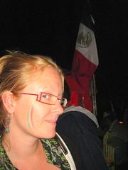 Anna con los colores nacionales de México