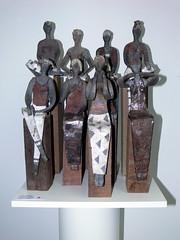 Malisca Muller - Platte meiden 1 (M.arjon) Tags: marjon keramiek dewaterlandsekunstkring maliscamuller