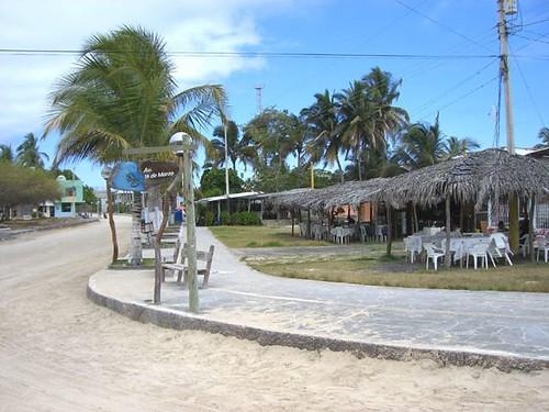 Main Street-Restaurant-Galapagos-Transport