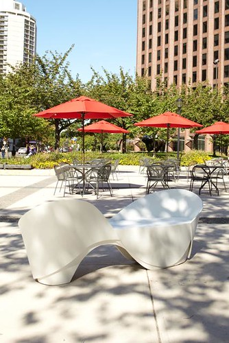 Daroff Design, Inc. - Conversation Bench
