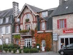 Hotel for sale (Dave Reynolds) Tags: france de lorne bagnoles