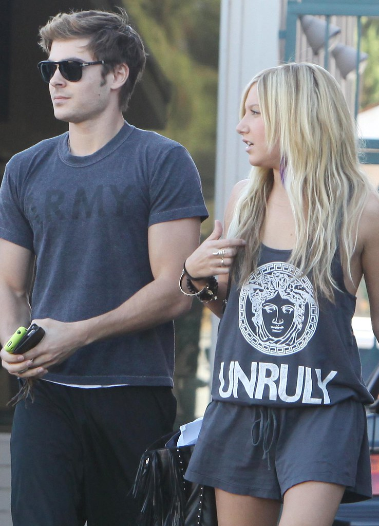 zac-efron-ashley-tisdale-patys-date%20(33)