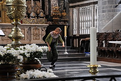 'Sint-Niklaaskerk' Korenmarkt Gent (FaceMePLS) Tags: church belgium belgi ghent gent kerk gand flanders flandres labelgique vlaanderen straatfotografie facemepls nikond300 benedenkerk streetphotohgraphy