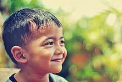 Ai Si Bokeh (DELLipo) Tags: portrait favorite green beauty smile photoshop vintage nikon dof bokeh explore portraiture dslr capture dri finest irfan d80 dellipo