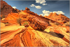 Coyote Buttes North - Sand Cove (raymond de hilster) Tags: arizona nikon north handheld hdr d300 coyotebuttes vermilioncliffs sandcove 5xp