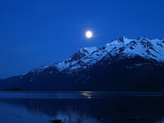 Full moon on the Chilkat 2 (Lindesign) Tags: sunset usa moon nature water beautiful alaska digital river landscape geotagged photography smithsonian flying photo cool interesting foto haines linden creative picture ak charles olympus glacier full juneau photocontest overhead chilkat creativecircus smithsonianchannel aerialamerica charleslinden lindeenterprises
