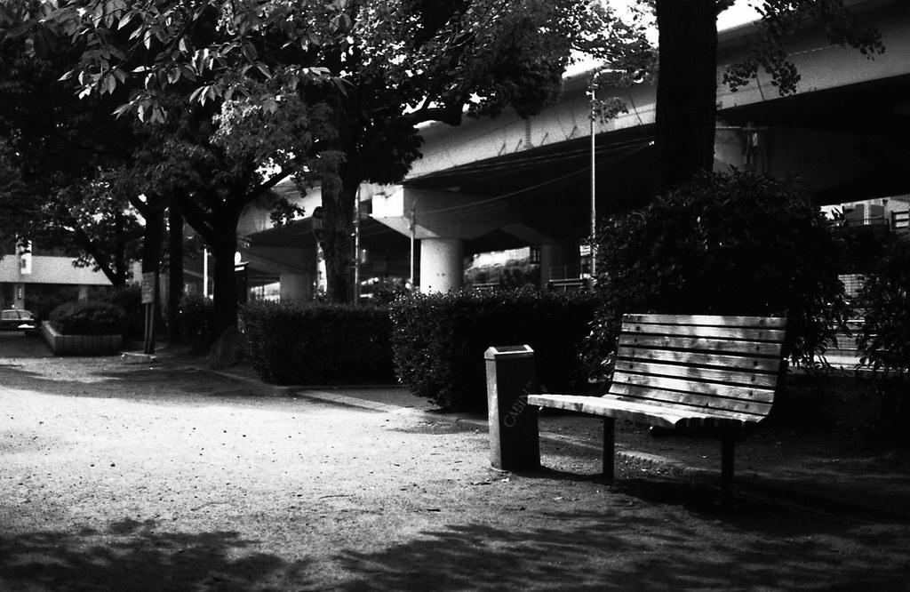 bench。
