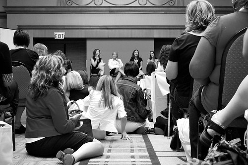 bloggers and branding session at BlogHer '09