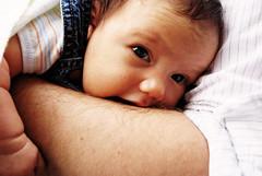 Sur le bras... (marie-july) Tags: portrait baby fille bébé