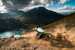 Andy Parant - _DSC9730 (andyparant.com) Tags: light 2 sky andy bike sport speed evening nice nikon action lumire flash hill down tokina dh mtb tignes soir 11mm vtt vlo 116 dtc riders d300 descente parant strobist