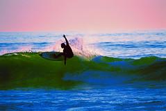 Asi se corre una ola (Mauro de Azul) Tags: mar surf cadiz olas