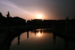 la quiete prima della tempesta... (Blue Spirit - heart took control) Tags: sunset water reflections tramonto acqua riflessi prato padova justbeforethestorm primadellatempesta scattifotografici pratodellavallesilhuette