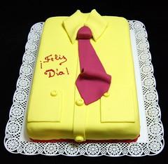 Papá empresario (Mariana Pugliese) Tags: cake oficina amarillo corbata fucsia torta botones rectangular camisa cuello diadelpadre empresario felizdia 241543903 marianapugliese