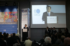 Chair of the OECD Ministerial, Han Seung-soo, Prime Minister of Korea