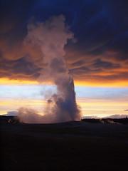 Mammatus clouds at Yellowstone (filippo rome) Tags: clouds oldfaithful yellowstone geyser mammatus mammatusclouds