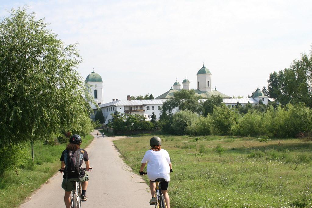 Bike-trip #2: Bucuresti – Manastirea Cernica – Manastirea Pasarea – Bucuresti.