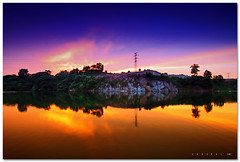 Gradual Blue VS Golden Sunset (SHAZRAL) Tags: sunset lake pool canon landscape eos malaysia selangor kolam tasik cokin tokina1224mmf4 p121 450d putraheights gradualblue azralfikri shazral