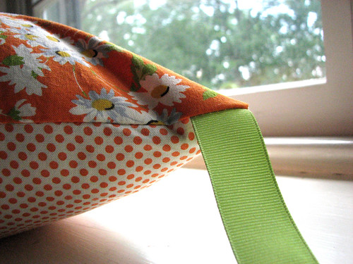 Pillowcase with ribbon tie