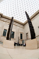 british-museum_28june2009_3597 (patrick h. lauke) Tags: london totem fisheye britishmuseum zenitar greatcourt queenelizabethiigreatcourt zenitarfisheye zenitar16mmf28