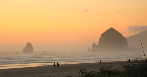 Cannon Beach - Haystack Rock 2009