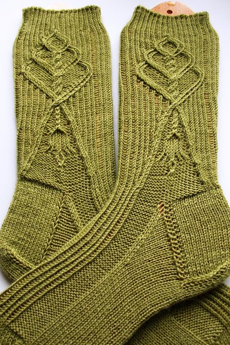Twist stitch socks finished-3
