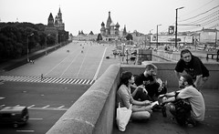 (Blanca M.) Tags: city travel viaje people bw byn blancoynegro canon gente russia ciudad blanca agosto 2008 martinez vacaciones rusia moscu eso30d blancamartinez blantree3