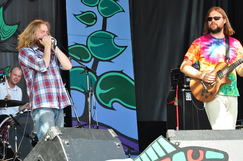 Moreland & Arbuckle at Ottawa Bluesfest 2009