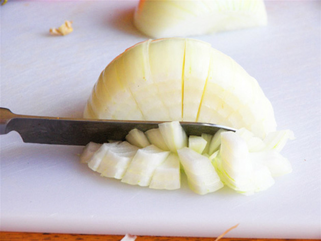 how-to-cut-an-onion-5
