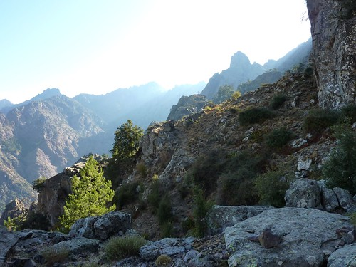 Vire de l'Andadonna : le départ non loin de Bocca Laggera et Pinzu Scaffone en arrière-plan