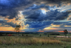 (Mac v1.4) Tags: sunset canon australia hdr huntervalley photomatix 40d camdub