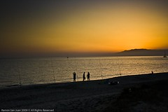 fishing on sunset (Ramon San Juan) Tags: sunset sea españa backlight canon contraluz atardecer mar fishing fisherman andalucía spain puestadesol ramon almería pescador pescando againstthelight