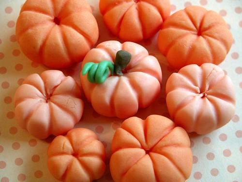 Fondant pumpkins