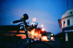 Ride into the blue (khai_nomore) Tags: classic film bicycle 35mm lowlight availablelight negative scanned agfavista100 rf alorsetar rm wideopen bokehlicious autaut voigtlanderbessar3m voigtlandernoktonclassic40mmf14 tanjungchali gerektua