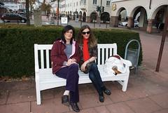 Farah im Gespräch mit Janette. Janette ist eine Transfrau aus Freudenstadt