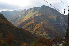 De Sarajevo à Mostar (Guillaume Ddn) Tags: autumn train automne sarajevo mostar bosnia railway herzegovina voz paysages hercegovina montagnes bosna bosnie jesen herzégovine